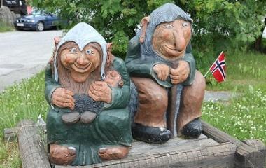 A troll couple